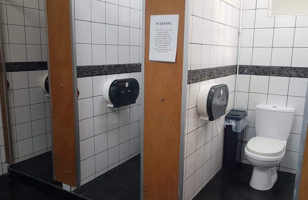 toilets_landscape